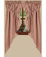 Country Curtains in Plaid Color